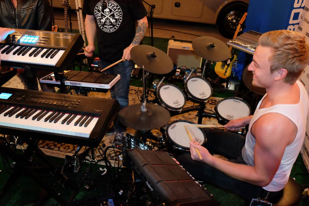 Donnie Marple, drummer for Lee Brice, plays the TD-25KV V-Drums at the ACM Party for a Cause festival.