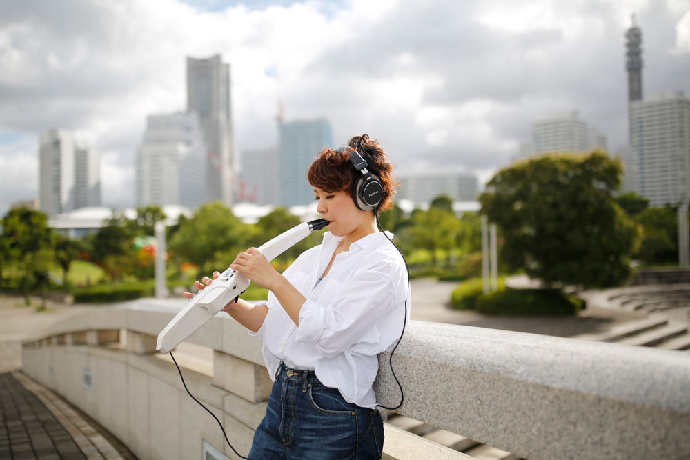 Using headphones, Aerophone users can play and practice anywhere without disturbing others.